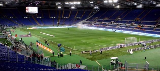 Derby Lazio-Roma, alta tensione. Due tifosi accoltellati vicino all'Olimpico