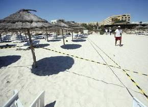 Tunisia, video amatoriale mostra attentatore su spiaggia Sousse