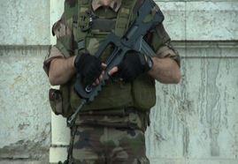 Francia, massima allerta dopo l'attentato, interrogato Salhi