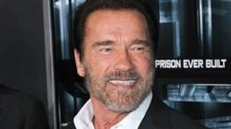 """Schwarzenegger torna cyborg e presenta il nuovo """"Terminator"""""""