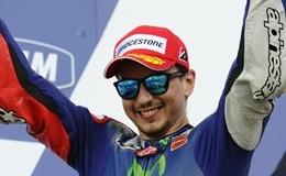 MotoGp di Barcellona. Valentino Rossi secondo, vince Lorenzo
