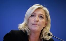 Marine Le Pen si schiera al fianco di Tsipras