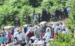 Srebrenica, premier serbo colpito alla testa da un sasso