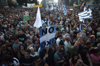 """Grecia divisa tra il """"no"""" e il """"sì"""" al referendum"""