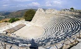 Riapre il Teatro di Segesta, programma incentrato sul Mito