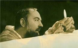 Le spoglie di padre Pio esposte a Roma a San Pietro