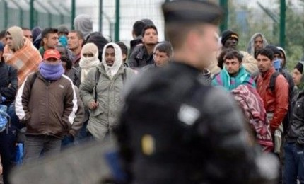 Turchia apre confini a rifugiati siriani diretti in Europa. Ue: Ankara rispetti gli impegni presi