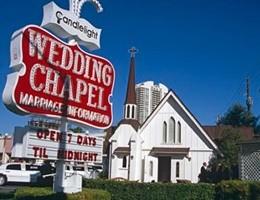 Las Vegas, addio capitale delle nozze: matrimoni crollano del 40
