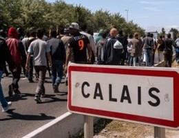 Immigrati, l'Ue stanzia 5 milioni di euro per un campo a Calais