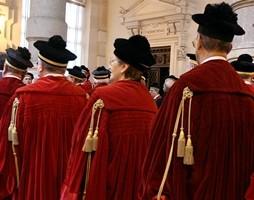 """Bocciato ricorso contro taglio ferie, Consulta """"condanna"""" i magistrati a lavorare"""