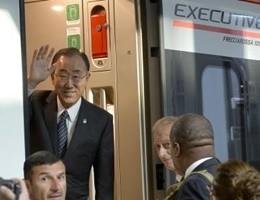 Il segretario dell'Onu Ban Ki-Moon arriva ad Expo in treno