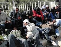 Video-choc in centro accoglienza migranti: letti pieni di cimici