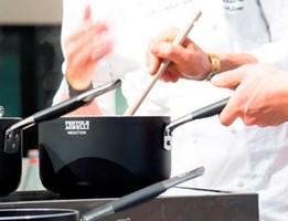 La riscoperta della padella, il segreto della cucina italiana (video)