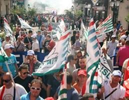 """Tutti in piazza contro Crocetta. Sindacati: """"Il peggiore governo che la Sicilia abbia avuto"""""""