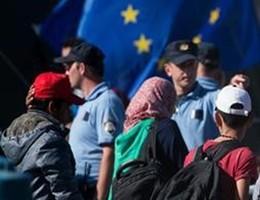 Migranti, l'Italia rischia procedura di infrazione dall'Unione europea