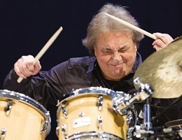 """Tullio De Piscopo: 50 anni di """"Musica senza padrone"""" (video)"""