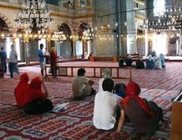 Come diventare un imam moderato? In Francia arriva il patentino