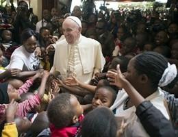 Il Papa in Uganda, la danza di accoglienza dei fedeli