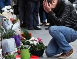 Ritrovata l'auto con le armi della strage di Parigi, nuovi arresti
