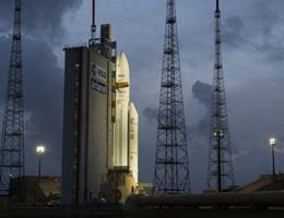 Il razzo Ariane 5 mette in orbita 2 satelliti per comunicazioni (video)