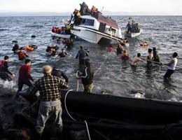 Il video del salvataggio di 124 migranti e rifugiati