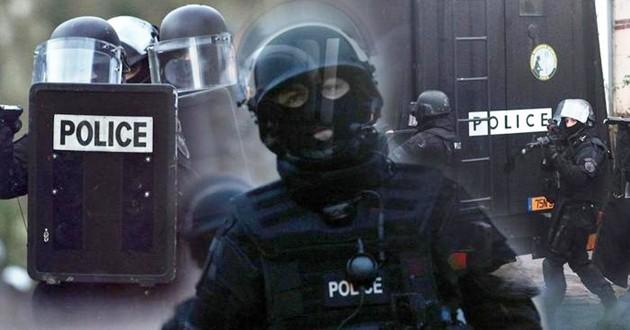 Dietro gli attacchi di Parigi c'è addestramento militare, non solo web