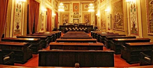 Parlamento siciliano 18 milioni di euro di vitalizi e for Nuovo parlamento siciliano
