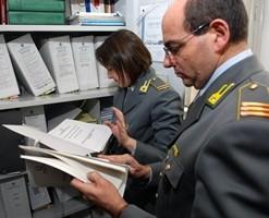 Agrigento, giro di tangenti all'Agenzia delle Entrate: 11 arresti