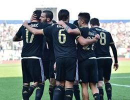 Settimo successo di fila per la Juve, 3-2 con il Carpi