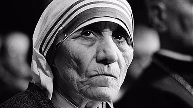 Madre Teresa santa, il via libera è arrivato nel giorno del compleanno del Papa