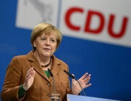 La Cancelliera torna a fare la Merkel: norme più severe