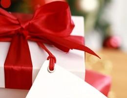 Regali di Natale inutili? I consigli dell'Aduc per riciclarli
