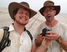 Australia, recuperato il meteorite vecchio come la Terra (video)