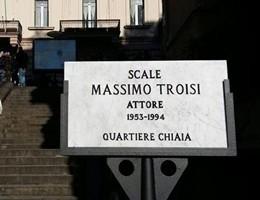 Napoli intitola a Massimo Troisi le scale di ''Scusate il ritardo''