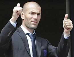 Real Madrid, Benitez esonerato e al suo posto arriva Zidane
