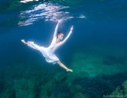Danzando sotto le onde
