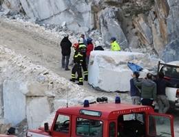 Frana a Carrara, trovati morti i due operai travolti dal crollo