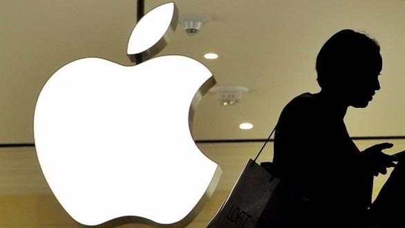 Apple, 216 miliardi Usd di liquidità che iniziano a scottare