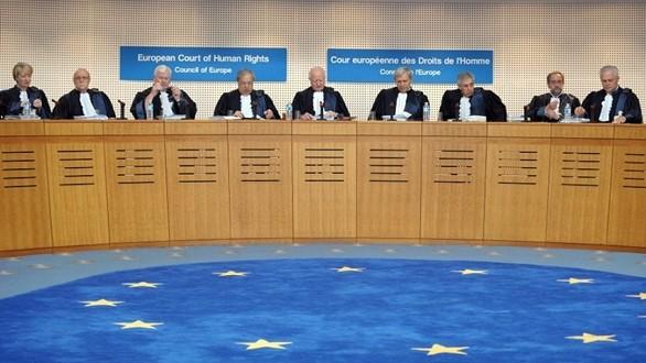 Corte di Giustizia: no a test per verificare omosessualità rifugiati