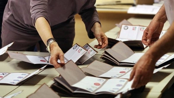 Elezioni: candidato dà buono di 10 euro a rappresentante lista, 2 denunce