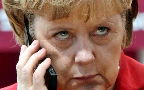 """Anche al Germania pensa al divieto del burqa. Merkel: """"E' un ostacolo all'integrazione"""""""