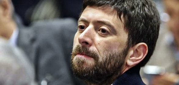 Accordo Pd su Italicum con ok di Cuperlo, minoranza si spacca. Speranza: serve nuova legge no paginetta fumosa