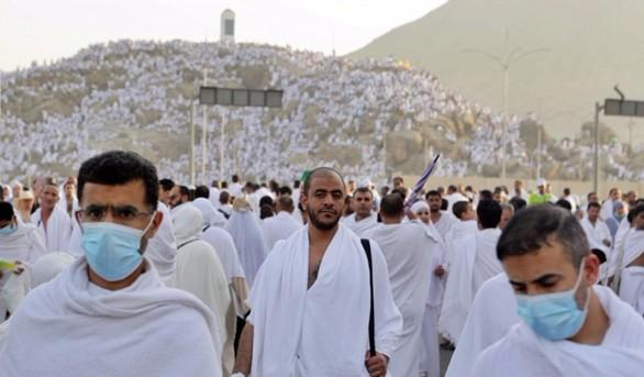 Alla Mecca oggi il culmine dell'hajj a un anno da calca mortale. Due milioni di fedeli scalano il monte Arafat