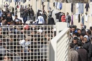 Devastato centro migranti Caltanissetta, fermati 5 tunisini