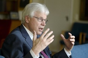 Nobel per l'Economia a Hart e Holmstrom per studi sui contratti