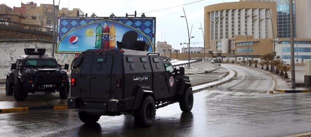 Libia nel caos, tre governi rivali per un unico Paese. Onu condanna tentato golpe a Gna