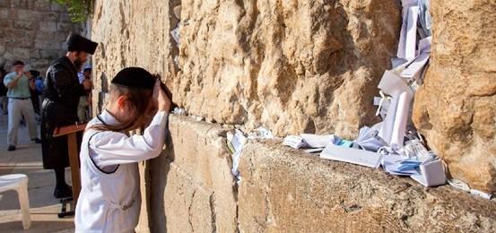 "Renzi a gamba tesa: ""Errore"" Unesco su Gerusalemme. E Israele loda il premier"
