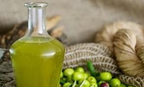L'olio d'oliva fa bene al cuore: impedisce formazione trombi, evitando ictus e infarto