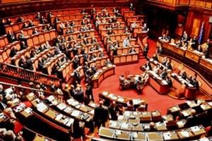 L'esame del decreto Mps arriva al Senato, si riprenderà con il 'caso Poletti'. Numeri a rischio