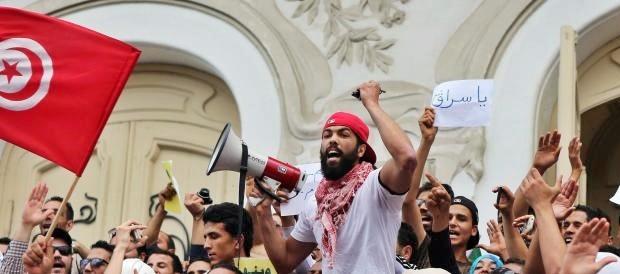 Turchia, le purghe nel dopo-golpe accelerano anche la fuga di cervelli